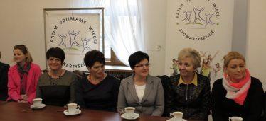 Konkurs na najsmaczniejszą szarlotkę rozstrzygnęli w Dworku w Straszęcinie
